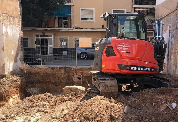 ES85ZT-Action-Web-2-Mini-Excavator