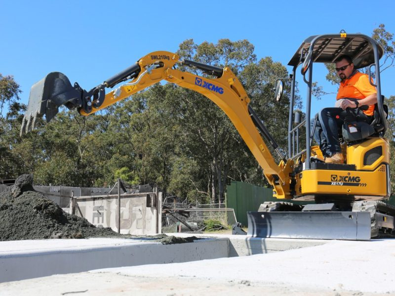 XCMG-XE17U-Mini-Excavator-Hire-Rental-2
