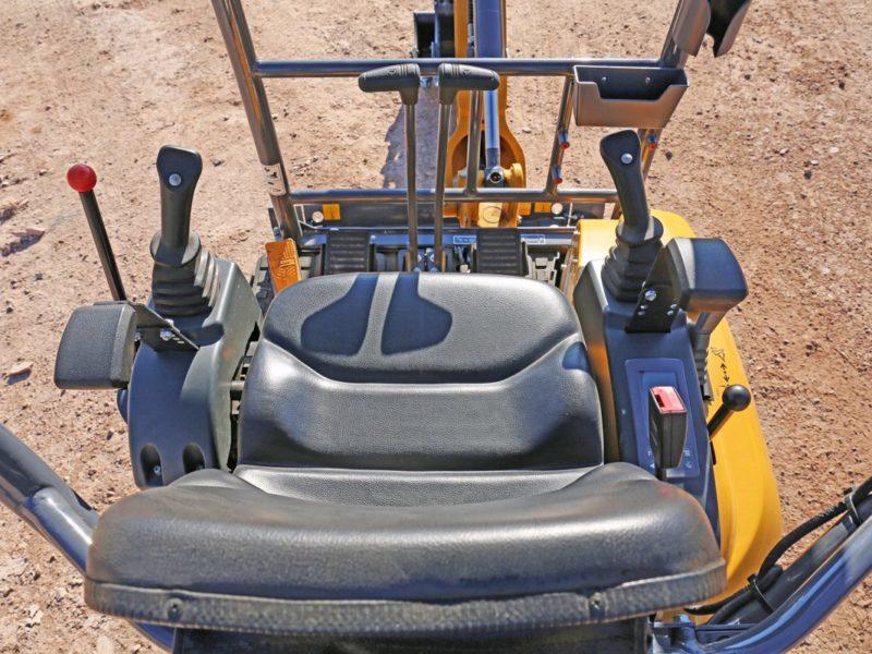 XCMG-XE17U-Mini-Excavator-Hire-Rental-6