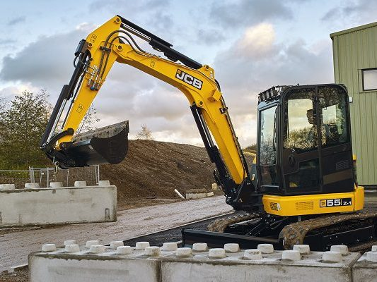 JCB-55Z-1-Mini-Excavator-5-Tonne-Excavator-For-Sale-4