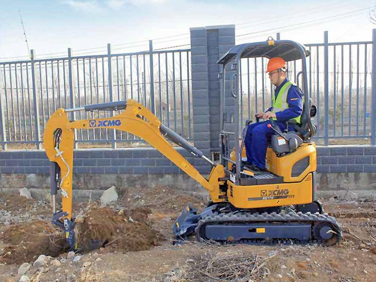 XE17U-Mini-Excavator-Performance-hire