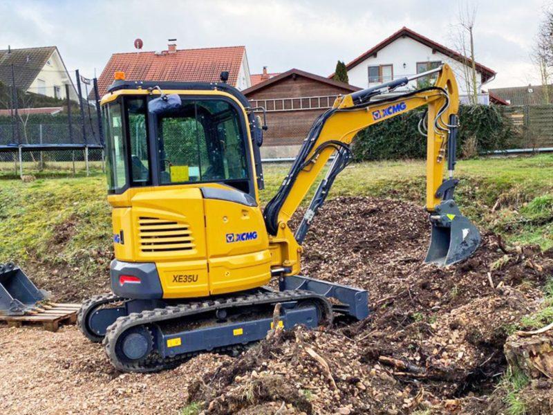 XE35U-Mini-Excavator-Hire
