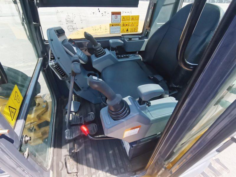 XE55U-Mini-Excavator-Cab-Enclosed-ROPSFOPS